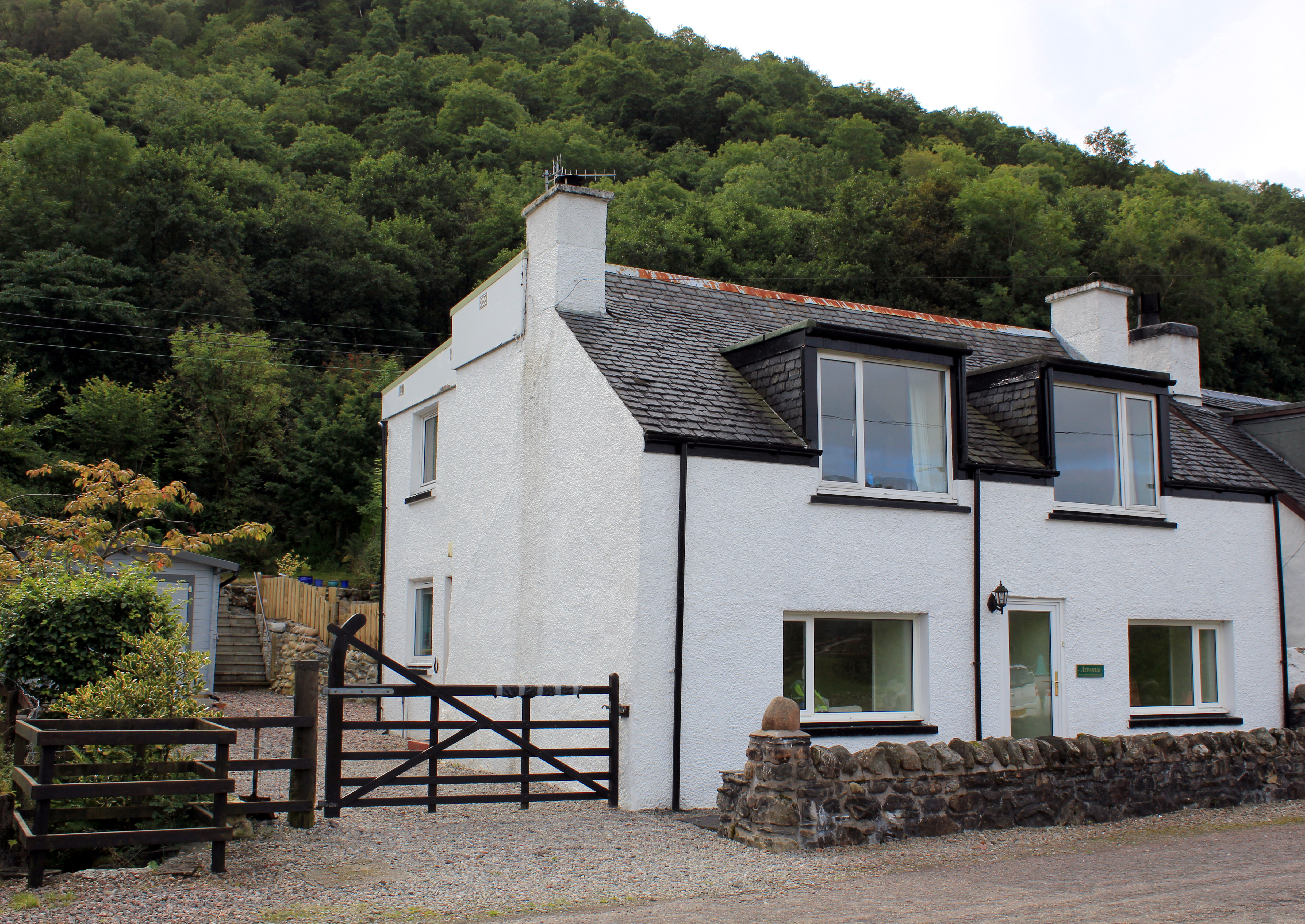 Arivonie Lochside Cottage, Glencoe