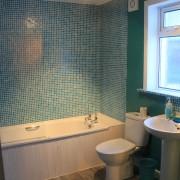 Bathroom at Arivonie Lochside Cottage, Glencoe