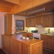 Birch Chalet, Clachaig Chalets and Lodges, Glen Coe - kitchen